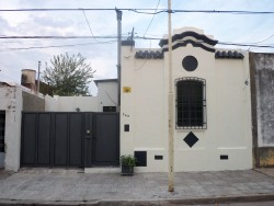 005 - CASA PRUDENCIO GONZALEZ AL 200. ENTREGA EN PARTE DE PAGO POR CASA DE MAYOR VALOR