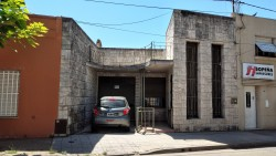 021 - CASA - CENTRO - AMPLIO PARQUE